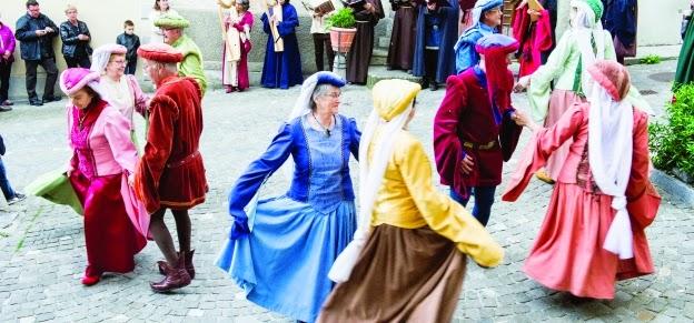 Danseurs médiévaux
